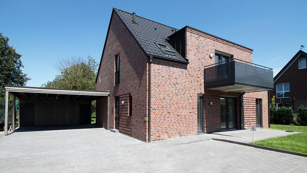 Einfamilienhaus mit Einliegerwohnung